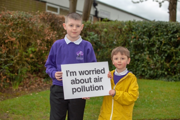 Nearly half of urban children worried about air pollution near their school